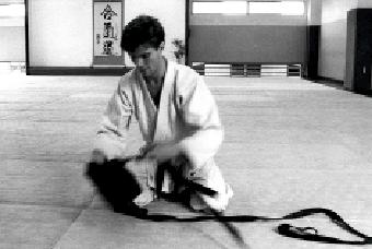Jan Nevelius im Hombu Dojo in Tokyo (1985). Jan war1991-1993 Vorsitzender des schwedischen Aikidoverbandes.