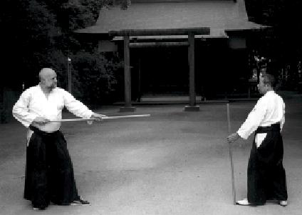 Ulf Evenås und Morihiro Saito, Iwama. Aikido Jo, Aiki-Jo. Foto: Jöran Fagerlund.