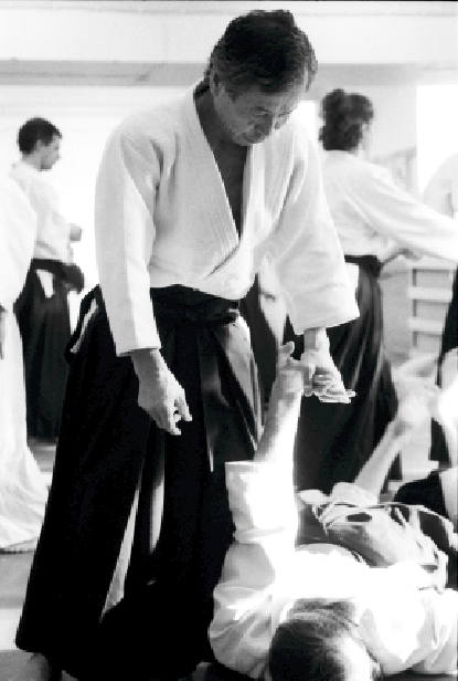 Nobuyoshi Tamura, Stockholm Lehrgang 1998. Aikido Osae Haltetechnik am Boden.