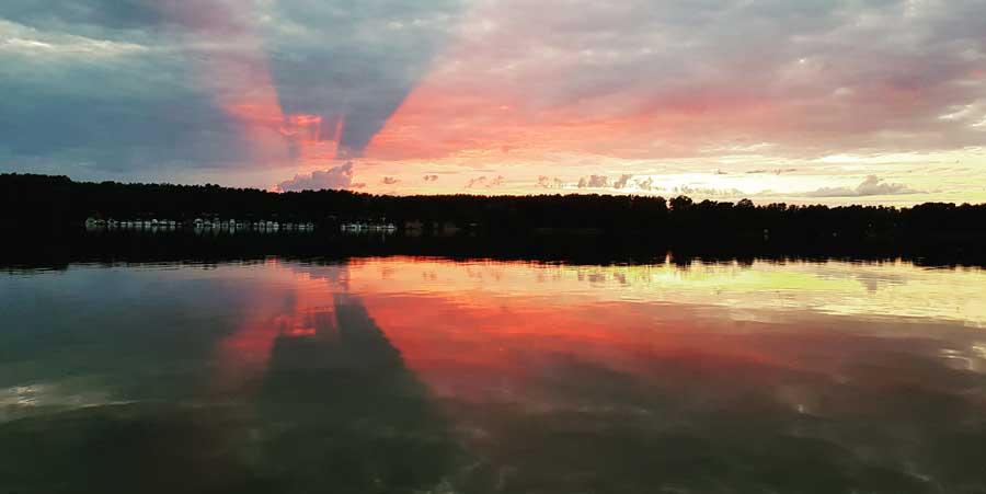Sonnenuntergang am Hölzernen See bei Berlin